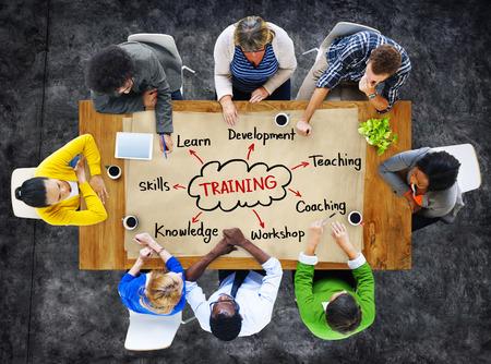 多種多様な人々 とトレーニングの概念