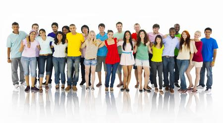 persona de pie: Grupo grande de personas que tienen a mano Foto de archivo