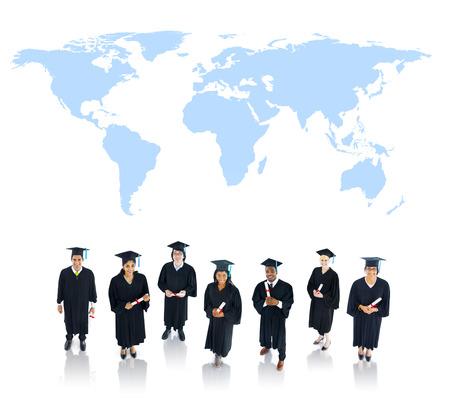 estudiantes universitarios: Los estudiantes que se gradúan
