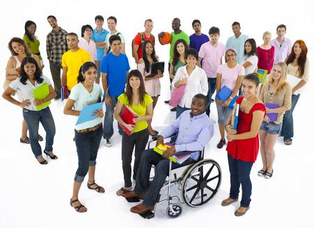 high school students: Gran grupo de los j�venes multi�tnicos