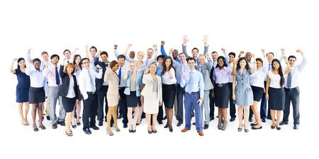 Grupo grande de hombres de negocios que celebra