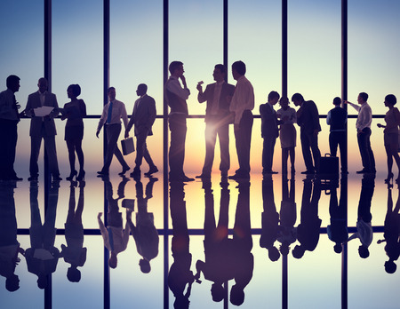 pessoas: Grupo de executivos que trabalham no escritório