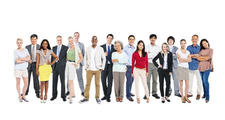 personas de pie: Grupo de personas en el trabajo multi-�tnicos y diversos en un fondo blanco.