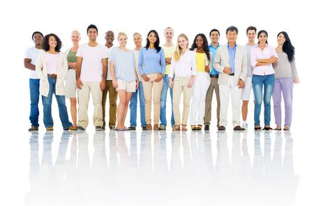 多様な人々 が陽気な多民族のグループ