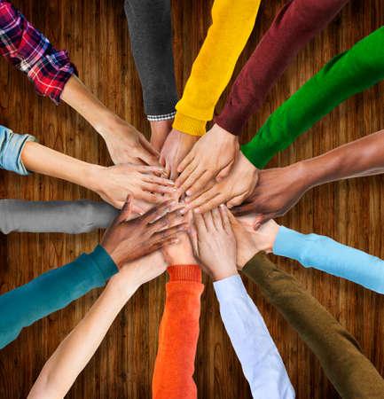 mani unite: Gruppo di Mani Diverse multietniche Together