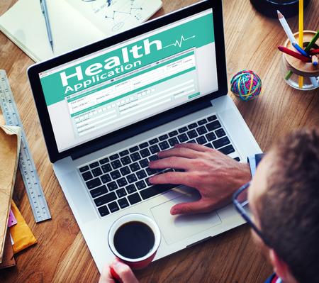 salute: Assicurazione sanitaria Digital modulo Application Concept Archivio Fotografico