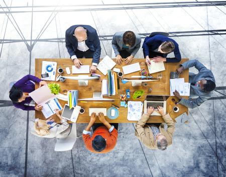 브레인 스토밍 계획 파트너쉽 전략 워크 스테이션 비즈니스 관리 개념