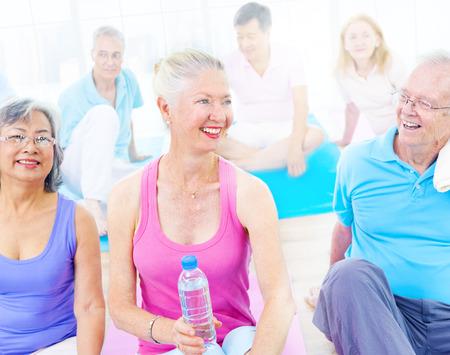 gezonde mensen: Groep van Healthy People in de Fitness Stockfoto