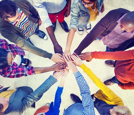 circulo de personas: Diversos y Casual Personas y Uni�n Concept