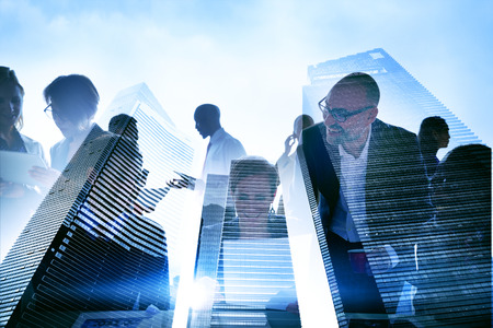 hombre de negocios: Gente de negocios silueta transparente Concepto de edificaci�n