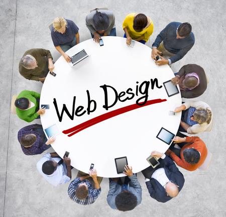 h�ndchen halten: Gruppe von Menschen, die H�nde um Brief Web Design