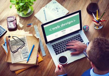 Designer de travail sur l'ordinateur portable Banque d'images - 34406844
