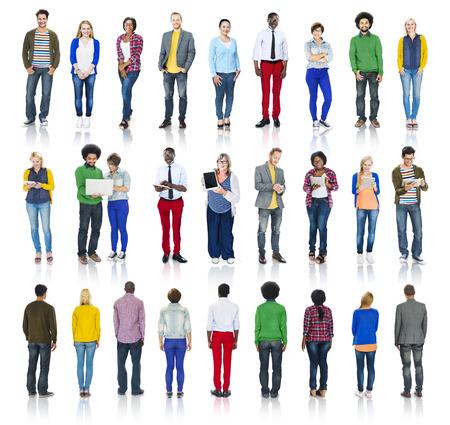 people: Grupo multi�tnico de personas aisladas en blanco