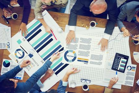 planung: Geschäftsleute Treffen Planung Analyse Statistik Brainstorming Konzept