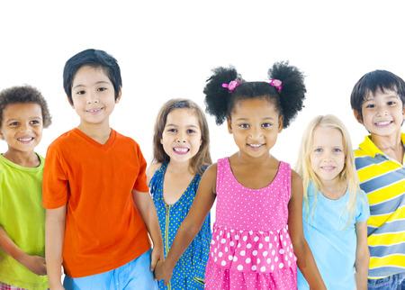 niños felices: Grupo de niños
