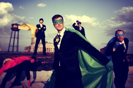 confianza: Gente de negocios de superh�roes Inspiraciones Confianza Concepto del trabajo