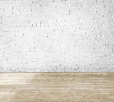 suelos: Sala de Hecho de la pared de ladrillo y piso de madera Foto de archivo