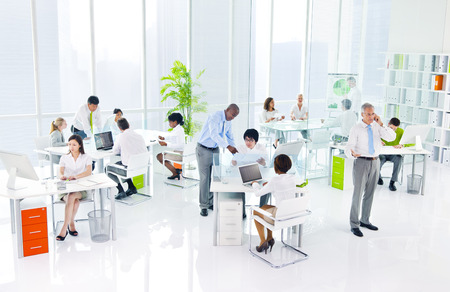 oficina trabajando: Oficina de Negocios Verde
