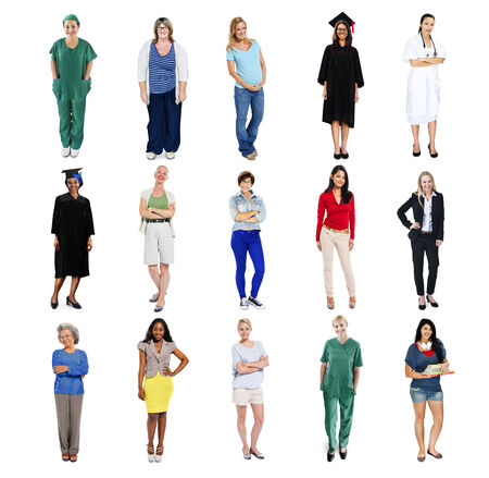 personas de pie: Grupo de personas de pie en una fila aislados en blanco