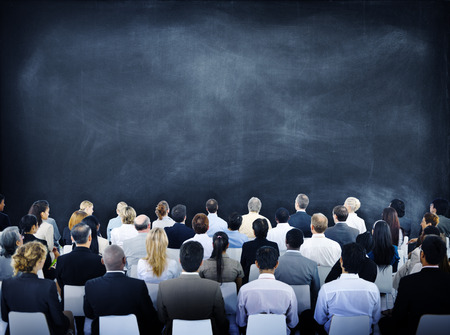 grupos de personas: Grupo de hombres de negocios diversos en un Seminario Foto de archivo