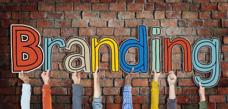 konzepte: Multiethnische Gruppe von Hands Holding Word-Branding- Lizenzfreie Bilder