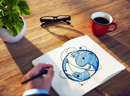 red informatica: Hombre con un bloc de notas y Conceptos de Redes Global