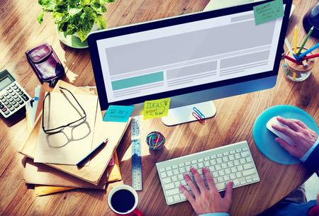 typing: Tecnolog�a Trabajar Usar el ordenador Oficina Concepto Foto de archivo