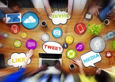 Réunion Social Media Social Networking Discussion Concept Banque d'images - 35337800