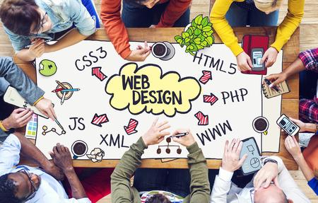 多様な人々 と Web デザイン コンセプト 写真素材