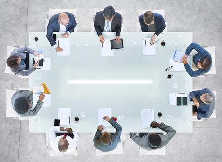 Diverse Business mensen met een bijeenkomst in het kantoor