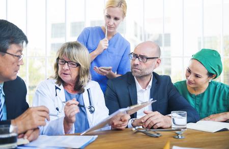 lekarz: Opieka zdrowotna Pracownicy o spotkanie