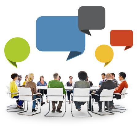 circulo de personas: Grupo de personas en reuniones con voz Bubbles