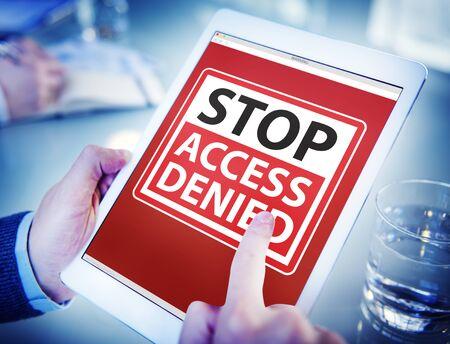 accessibilit�: Mani che tengono Digital Tablet Accessibilit� Archivio Fotografico