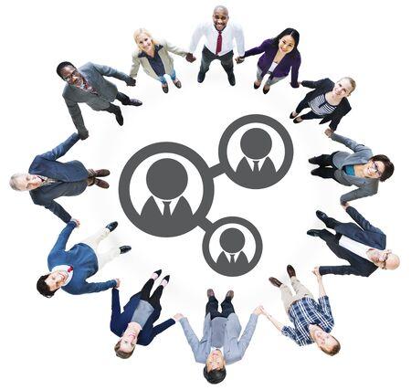 manos entrelazadas: Hombres de negocios de la mano y Conceptos de conexi�n