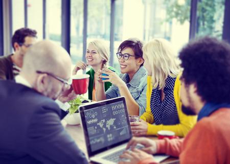 trabajo social: Gente de negocios Reunión Seminario Compartiendo Hablar Concepto Pensamiento Foto de archivo