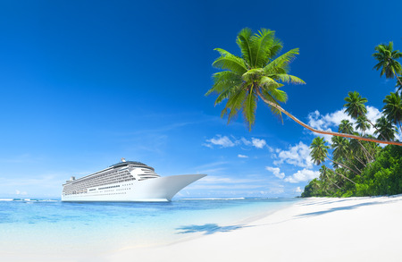 Cruise ship in the Summer time Banco de Imagens