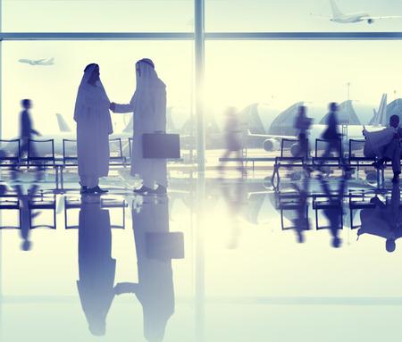 人の空港ビジネス旅行通信契約の概念 写真素材
