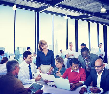 empleados trabajando: Diverse Gente de negocios Trabajo Conferencia Paisaje urbano Cooperaci�n Trabajo en equipo