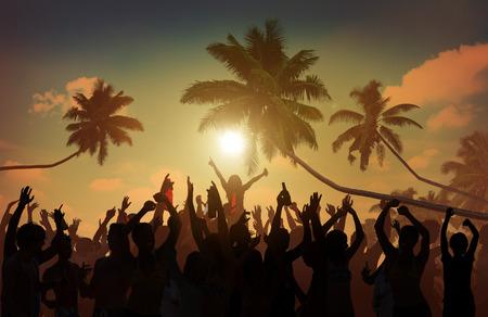 户外海滩夏天音乐音乐会休闲追求概念