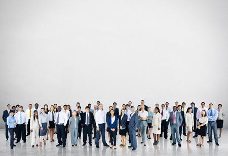 menschenmenge: Verschiedenartigkeit-Gesch�ftsleute Gemeinschaftsunter Team Konzept Lizenzfreie Bilder