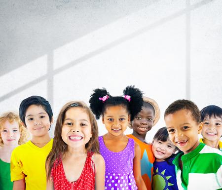 Diversidad Niños Amistad Inocencia Concepto Sonreír Foto de archivo - 38523307