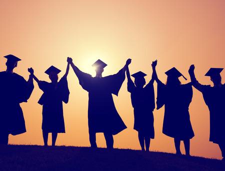 vysoká škola: Studenti Graduation dosažení úspěchu Celebration Štěstí Concept