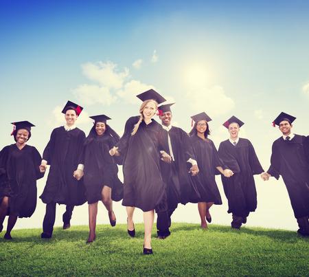 graduacion: Los estudiantes de la graduación Celebración Éxito Logro Felicidad Foto de archivo