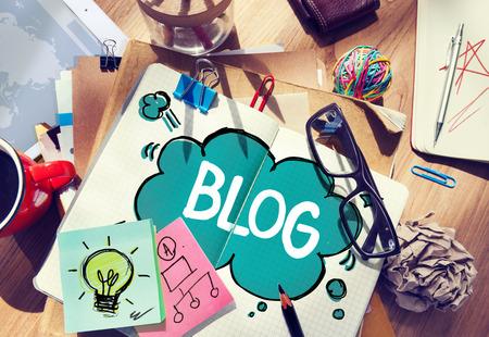 oficina desordenada: Social Media Conexi�n Blog Comunicaci�n Concepto contenido