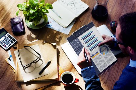 Businessman Working Calculator Balance Financial Planning Lavoro di ufficio Concetto Archivio Fotografico - 38523630