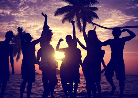 amicizia: Persone Celebration Beach Party Estate concetto di vacanza per le vacanze Archivio Fotografico
