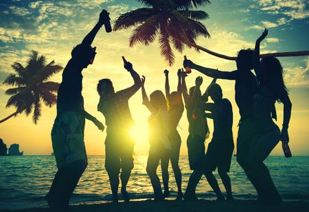 nue plage: Personnes b�n�ficiant Partie par la plage