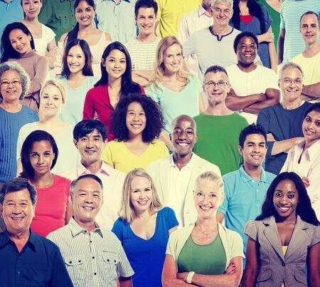 diversidad: Diversidad Casual Personas Trabajo en equipo Concepto Ayuda Felicidad