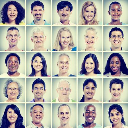 diversidad: Protrait de Felicidad Grupo de Diversidad de la Comunidad Foto de archivo