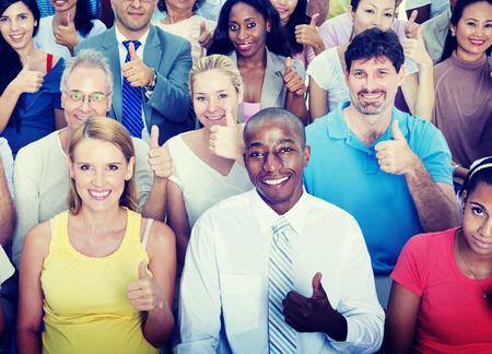 엄지 손가락 사람들이 다양성 다민족 그룹 개념